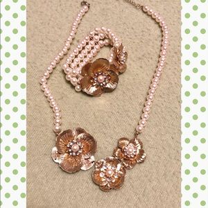 Jewelry - 2for$15 Faux Pearl Gold necklace & bracelet Set